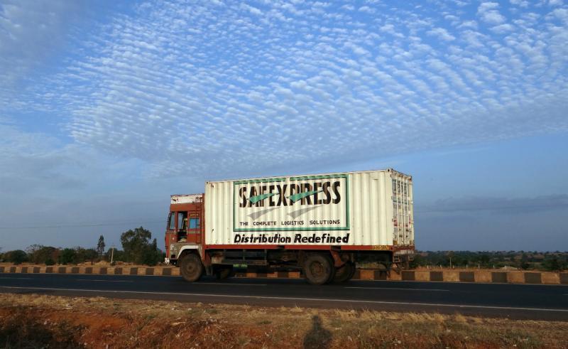 Por que a uberização não funciona no transporte de cargas