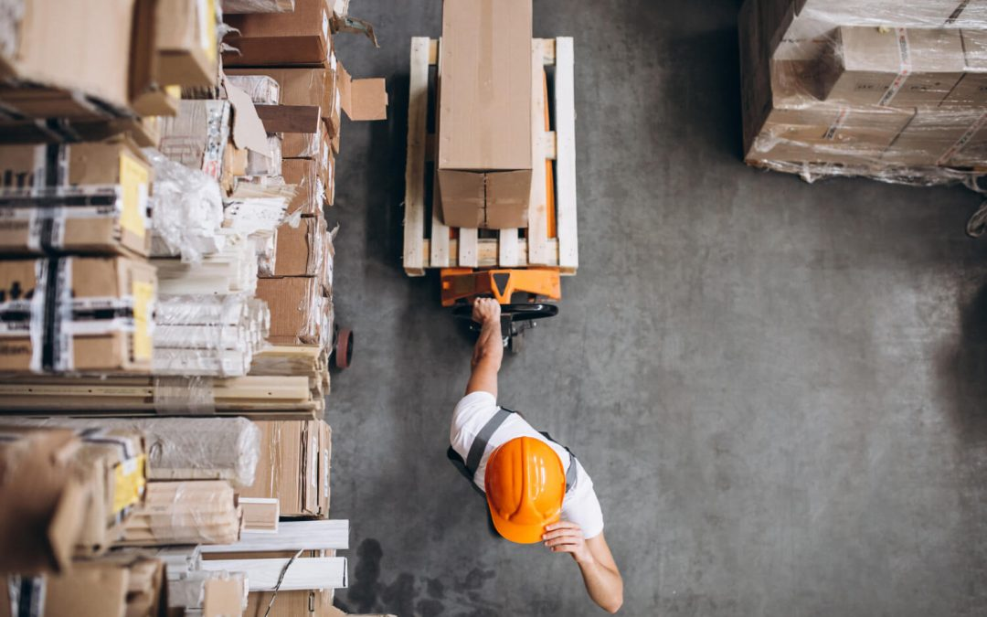 Terceirização logística: vantagens e desvantagens